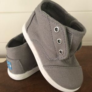 Toddler Toms Shoes - new without box